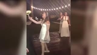 Реакция Парня После Того, Как Его Девушка Поймала Букет Невесты