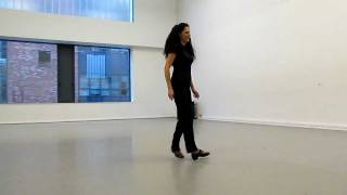 Travel Bare Feet™ - Annie O'Donnell performing- the old-style Irish dancing - Dublin, Ireland