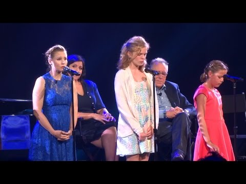 "Thumbnail: Kristen Bell performs ""Do You Want to Build a Snowman?"" at Frozen FANdemonium, D23 Expo 2015"