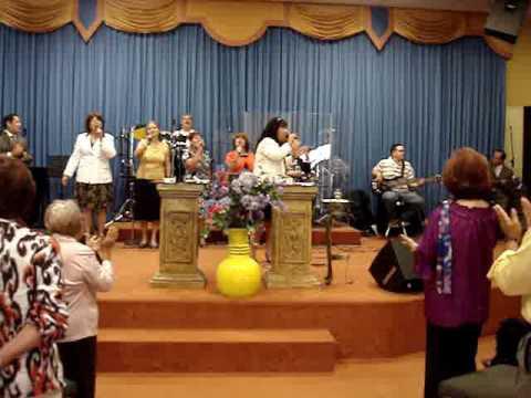 Es Cristo La Roca - Grupo Cantares