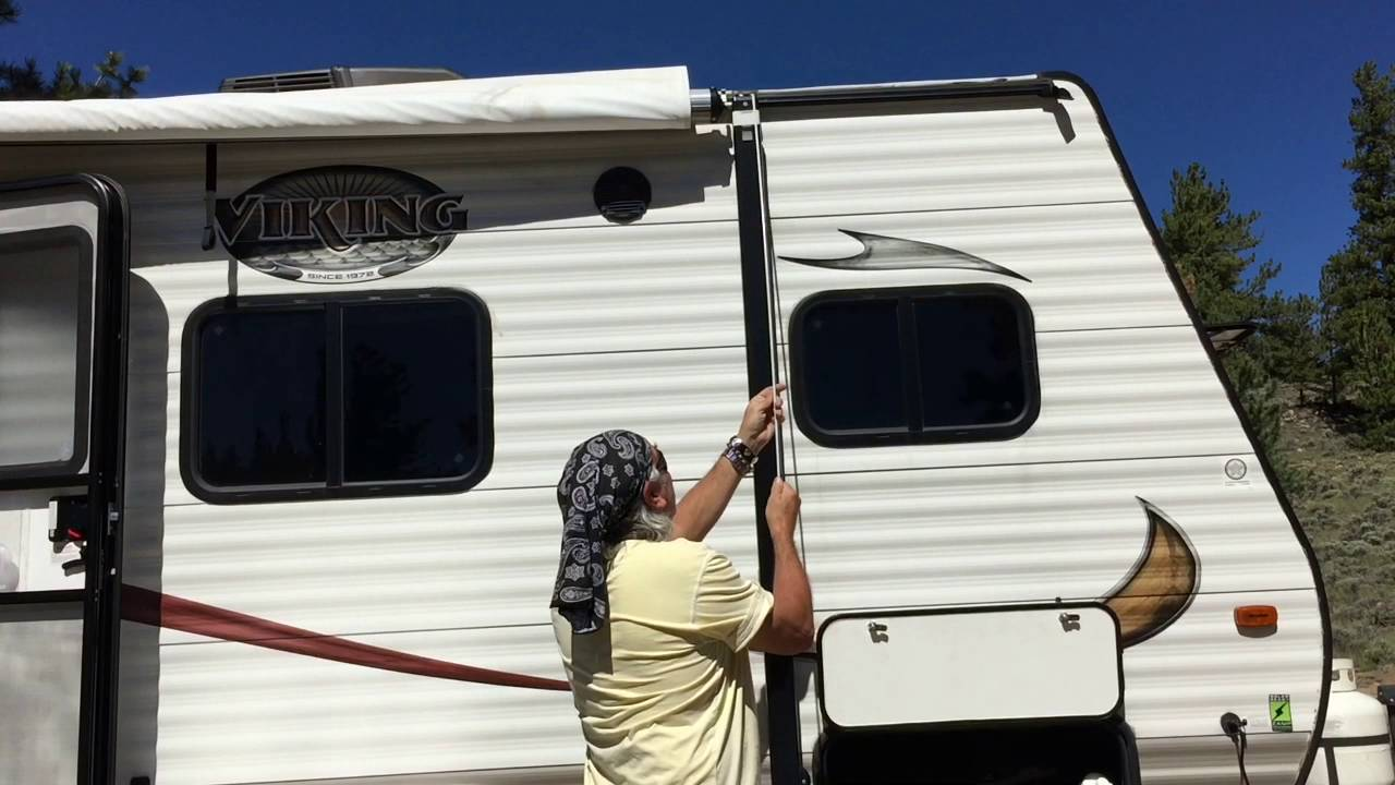 Forest River Viking 16fb Extending The Awning Youtube