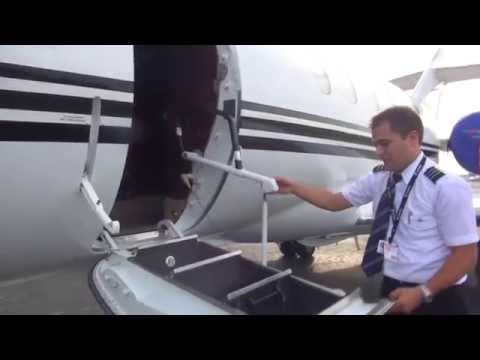 Post Flight with FO David and Hawker 800XP