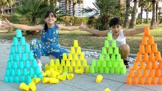 Guka and Nastya  Pretend Play Stacking Colored Cup Toys