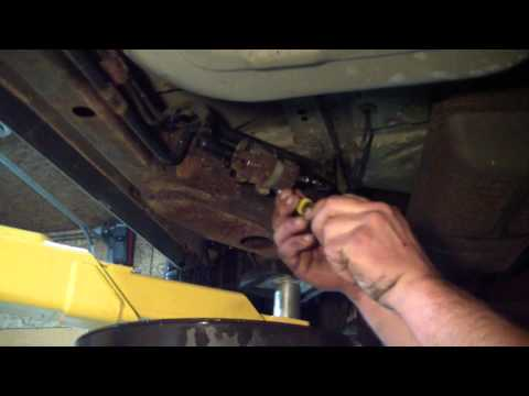 2000 Grand Marquis Fuel Filter Replace How To - YouTubeYouTube