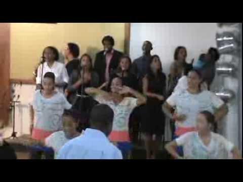 Igreja Cristã Abrigo - Abrigo Choir - Tudo És