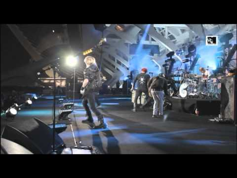 My Chemical Romance - Thank You for the Venom (LIVE at MTV Winter 2011) [HQ]
