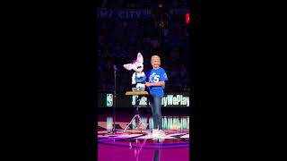 Darci Lynne performs with Petunia and Oscar at OKC Thunder Half time