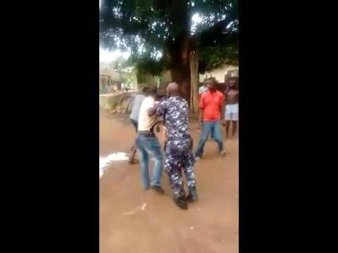 Sierra Leone police men fight over bribing money