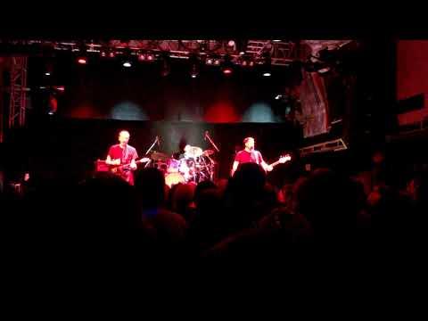 "Hugh Cornwell ""Hanging Around"" live"