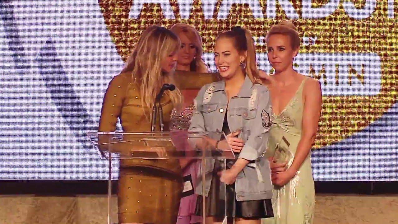 Jessie Andrews Sex Videos 2016 xbiz awards - jessie andrews & carter cruise win 'best sex scene - all  girl' award
