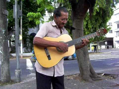 Panama City street singer