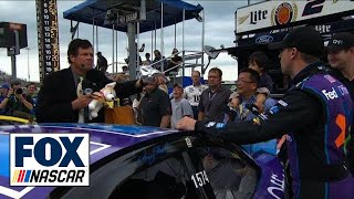 Michael Waltrip Spills Taco Over Denny Hamlin'S Car - 2015 Nascar Sprint Cup