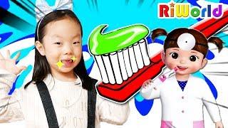 과자를 많이 먹으면 이가 썩어요! 리원이와 콩순이 전동 칫솔로 이닦기. 양치놀이 콩순이 장난감 놀이 Brush your teeth with electric toothbrush