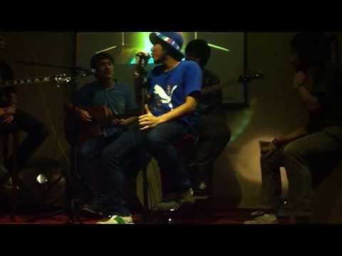 Free download Mp3 Tribute To Sheila (Tifosi) - Cahaya Terang, Tunggu Aku di Jkt, HujanTurun, Kau Kini Ada - ZingLagu.Com