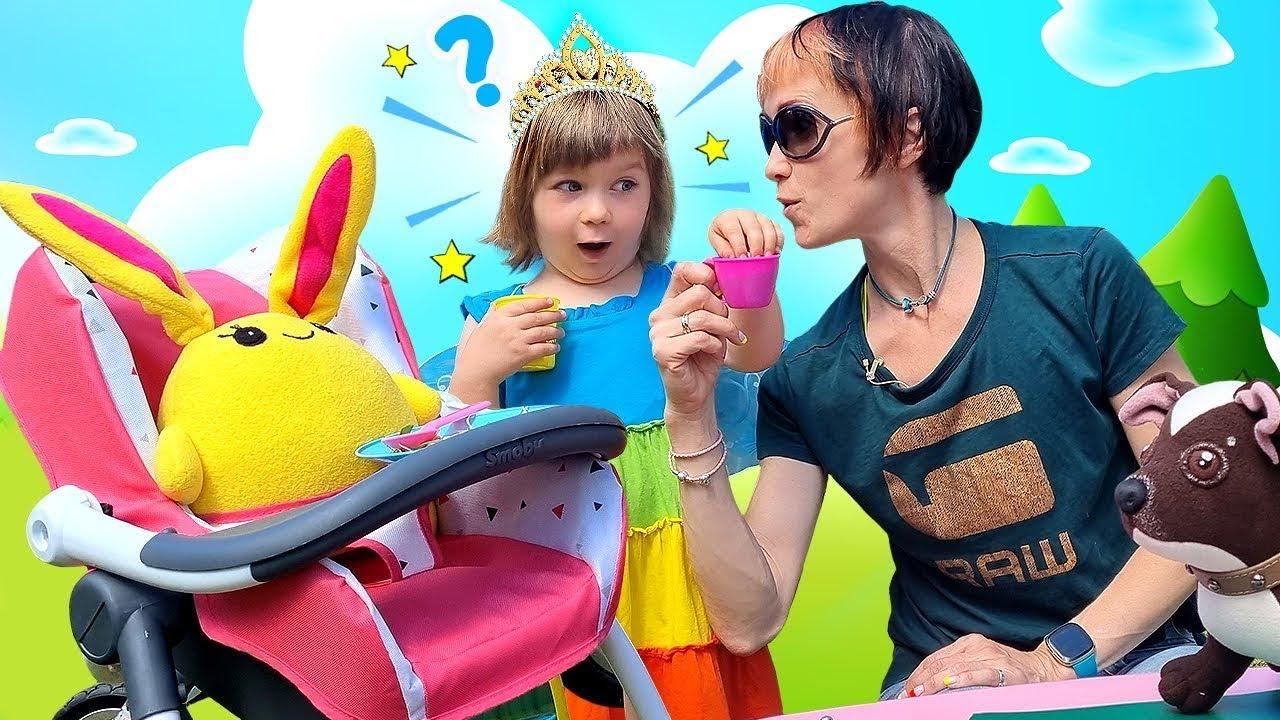 Мама для Лаки - Маша Капуки, Бьянка и игры для девочек Как МАМА - Игрушки в коляске