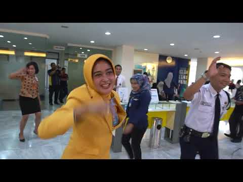 Flashmob Bank Mandiri Surabaya Gentengkali 2017