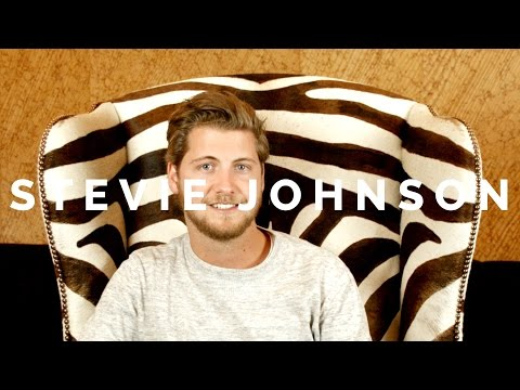 20 Questions | Stevie Johnson | MIC Cast Member