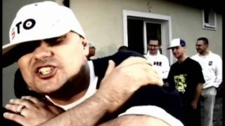 Teledysk: Pih - Cokolwiek ft. Dwie Asie (Pih - Krew, Pot i Łzy / 2004)