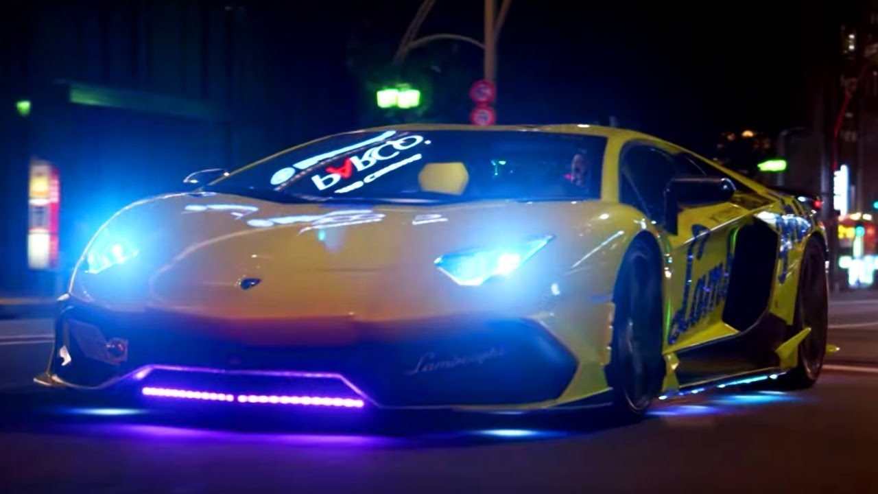 Neon Lamborghini Run in Japan