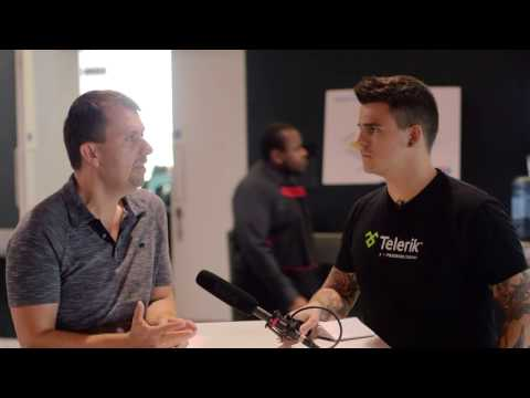 Todd Motto chats with Misko Hevery during Angular Connect 2016