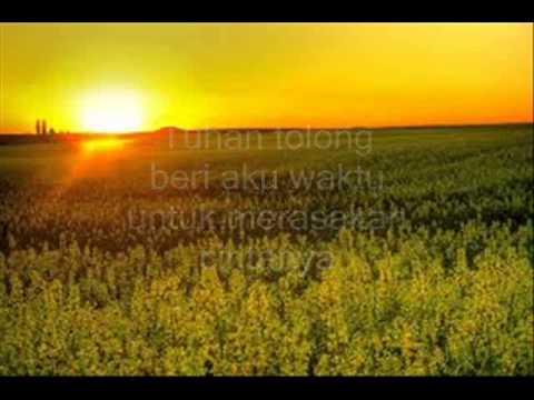 Melly Goeslaw Tanyakan Pada Rumput Yang Bergoyang Hq Youtube