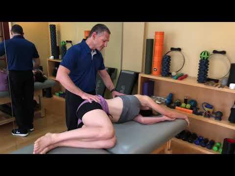 Dr Duke Stretches the (QL) Quadratus Lumborum & relieves Back Pain.