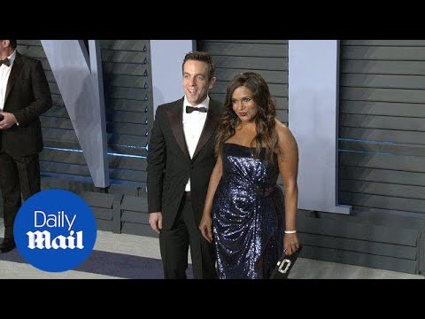 Mindy Kaling and B.J. Novak reunite at Vanity Fair Oscar Party - Daily Mail