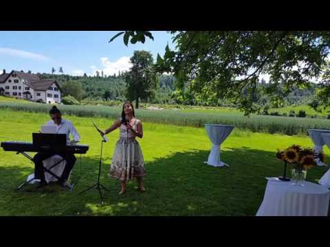 Hochzeitssängerin Anna Vichery