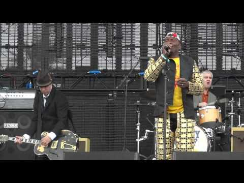 "Jimmy Cliff & Tim Armstrong ""Ruby Soho"" @Coachella 2012"