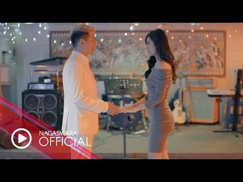 Delon - Cinta Jangan Kau Pergi (Official Music Video NAGASWARA) #music