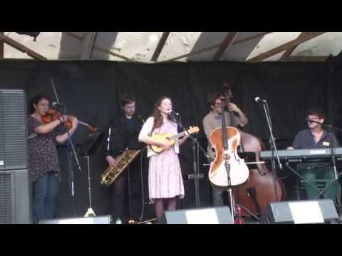 Beth Porter and The Availables; Priston Festival 2014