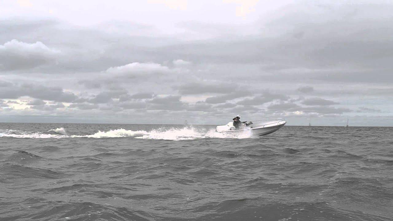 1995 Boston Whaler Rage 15 Jet Boat