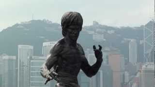 Bruce Lee 2.5 Metre Bronze Statue up close - Avenue of Stars, Hong Kong 1080p HD Sony HDR-CX115