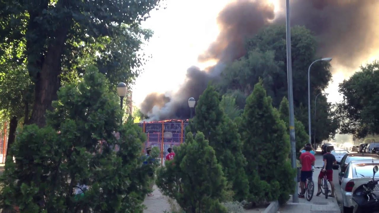 Incendio piscina municipal de coslada madrid youtube for Piscina coslada