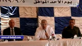 بالفيديو والصور.. محلب يتفقد بحيرة ناصر ويلتقى بالصيادين