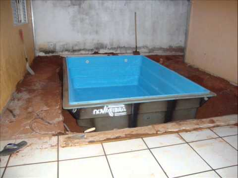 Facil facil instalar uma piscina de fibra 0001 youtube for Piscina de acrilico