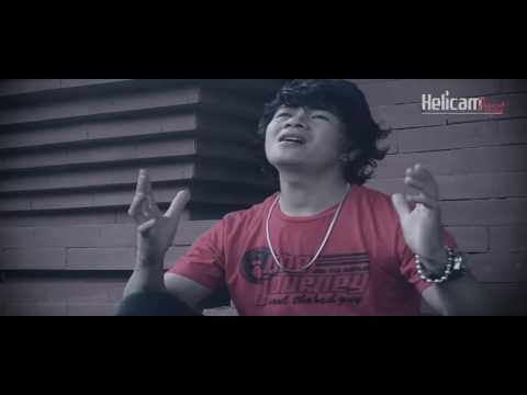 Lagu Natal Terbaru  - Natal Kembali Tiba -  Sterwi Tumembouw ( Video Music Official )
