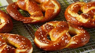 Homemade Pretzels Recipe Demonstration - Joyofbaking.com