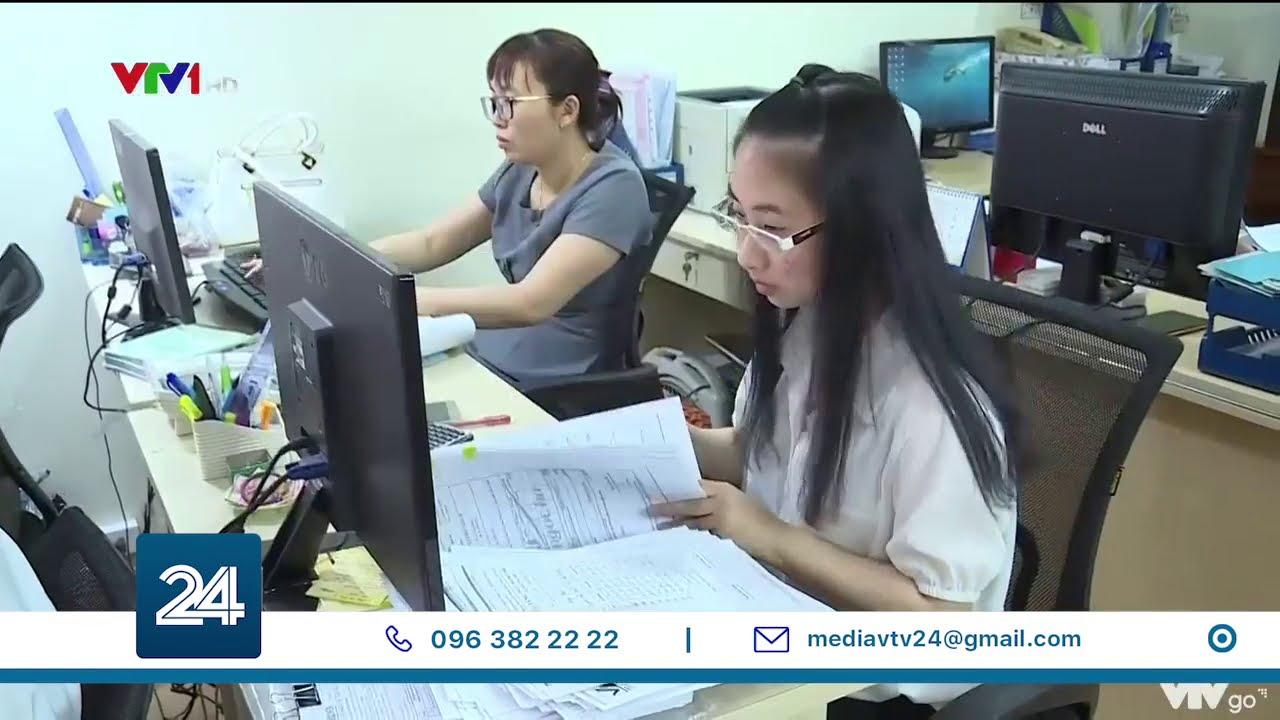 Ngân hàng chuyển thông tin khách hàng cho cơ quan thuế: còn nhiều băn khoăn   VTV24