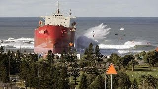 Ship Runs Aground On Nobby's Beach - PT 3
