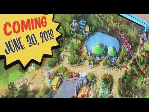 What's New At Disney's Hollywood Studios | Gondola Skyliner Updates, Spring Break Crowds & New Merch