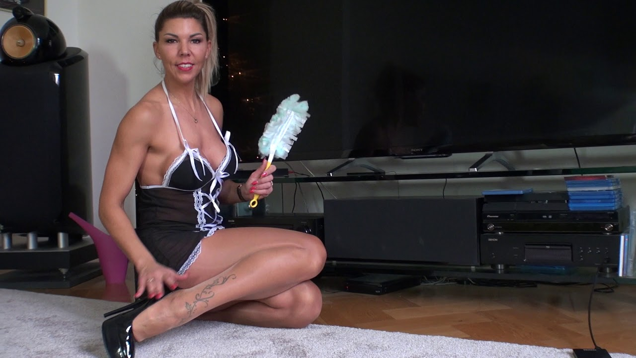 TV-Cleaning in High Heels