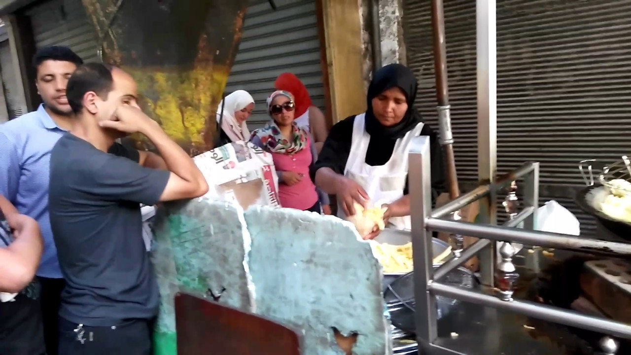 FAS'ın İLGİNÇ Sokak Yemeklerini Deniyorum! (SALYANGOZ Yedim)