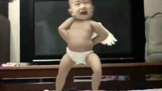 Baby Dancing to Gangnam Style