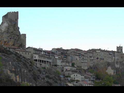 Frías, ciudad medieval y su castillo.Tobera,cascada y monumentos.(Burgos) por dc