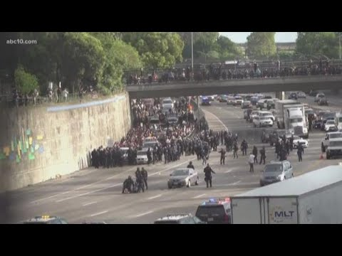 protesters-shut-down-i-5-in-downtown-sacramento-as-they-make-their-way-to-the-freeway