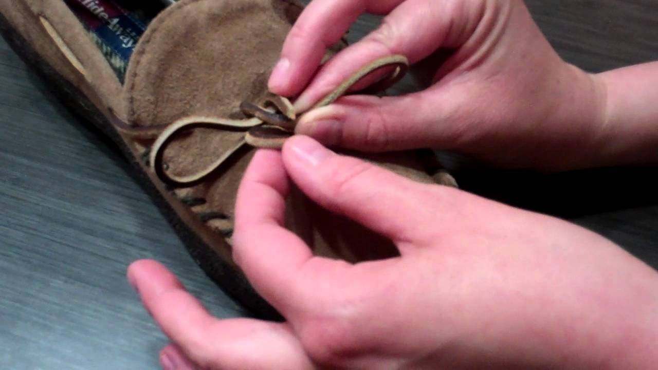 How to tie a rawhide slipper lace - YouTube