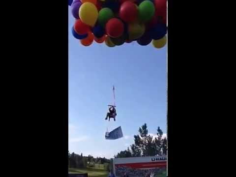 Video: voló como el abuelo de la película UP
