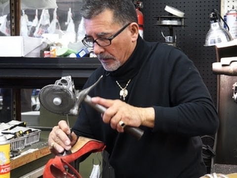 Self-employed cobbler cannot walk toward retirement after struggling to save