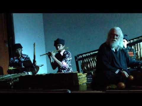 Trimba music instrument (Stefan Lakatos Ft. UPI Music Students)